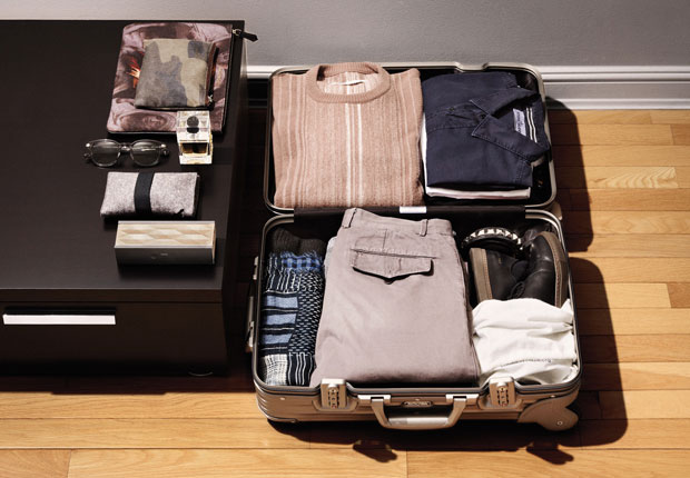 travel-luggage-packing-tips-01HSS